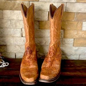 Eight second angel cowgirl boots